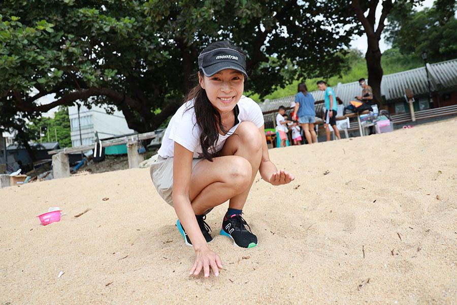 10月26日南區海洋清潔活動由Bling Bling Ocean創辦人余曉彤(Hidy Yu)籌劃。(陳仲明/大紀元)
