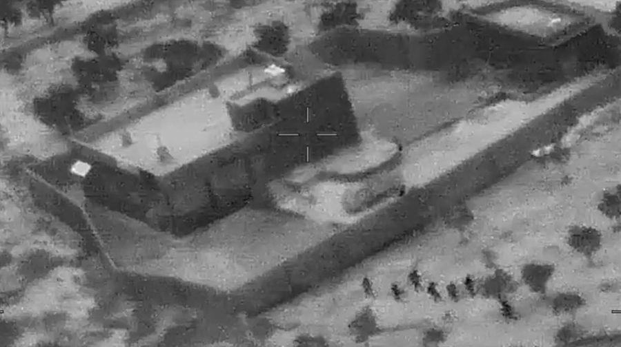 ISIS最大頭目巴格達迪上周六在美國特種部隊突襲中死亡。周三(10月30日),五角大樓發佈了殲滅巴格達迪的影片。(Photo by Jose ROMERO/US Department of Defense/AFP)