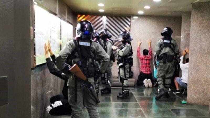 香港再現ISIS?港警逼人舉手下跪畫面曝光