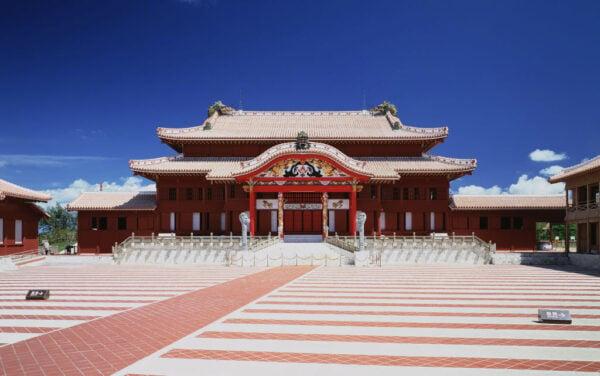 首里城是琉球王國時代、約500年前興建,1933年被指定為國寶。(STR/JIJI PRESS/AFP via Getty Images)