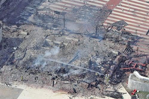 10月31日凌晨,被列為世界遺產的日本沖繩首里城發生火災,城內的三大殿被全部燒燬。(AFP)