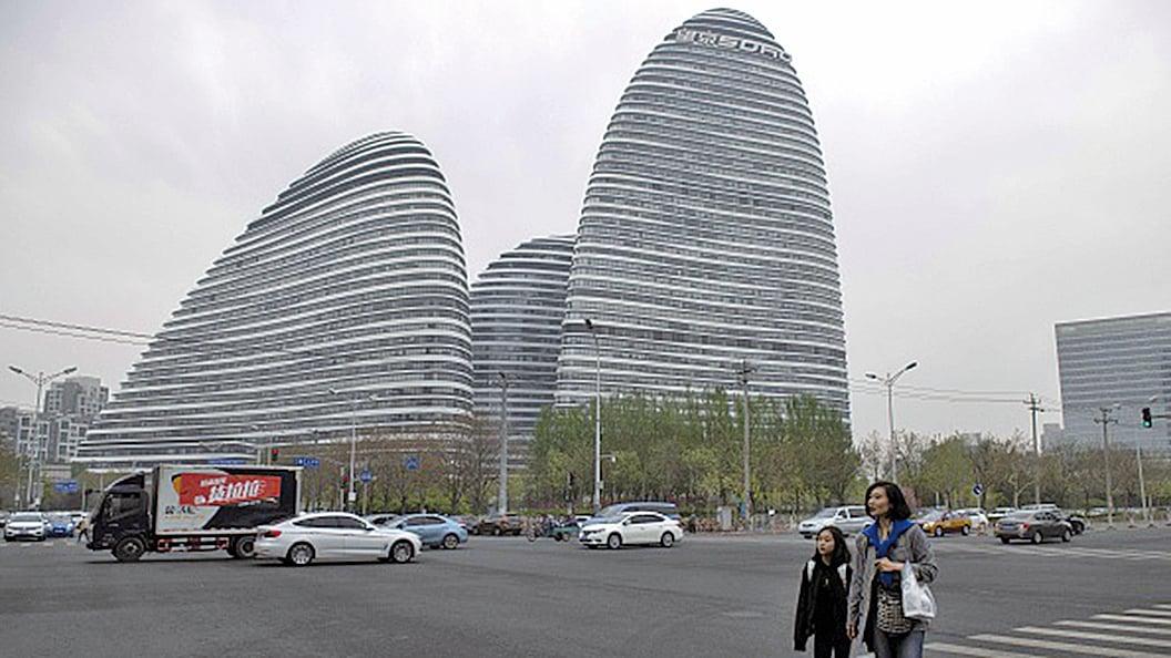 潘石屹控制的SOHO中國,擬以80億美元出售中國境內8大辦公樓,包括北京的望京SOHO如圖示。(Getty Image)