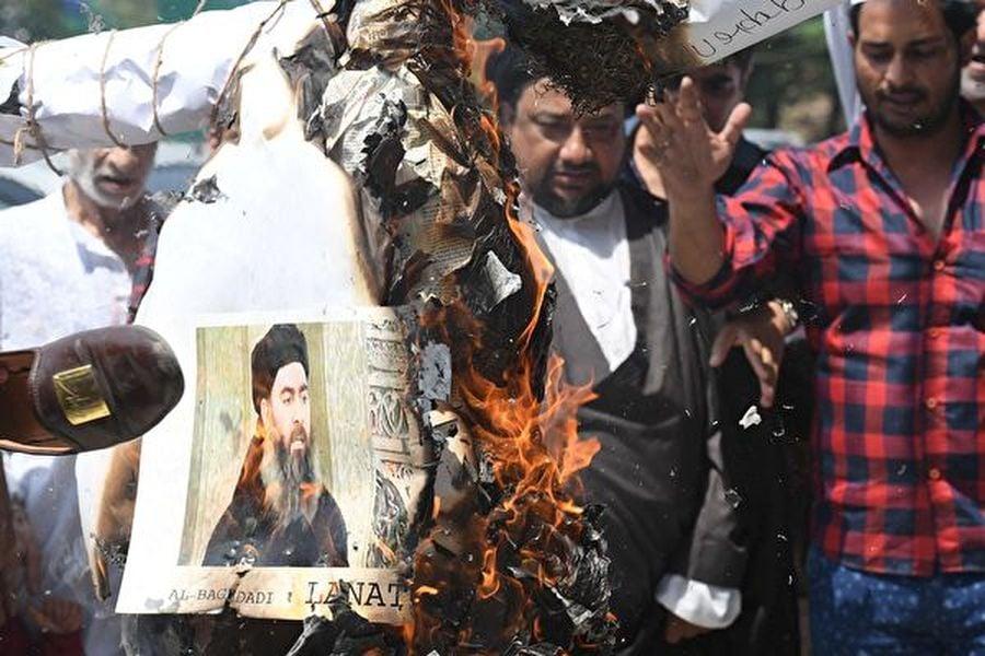 巴格達迪的肖像被焚燒。(Getty Images)