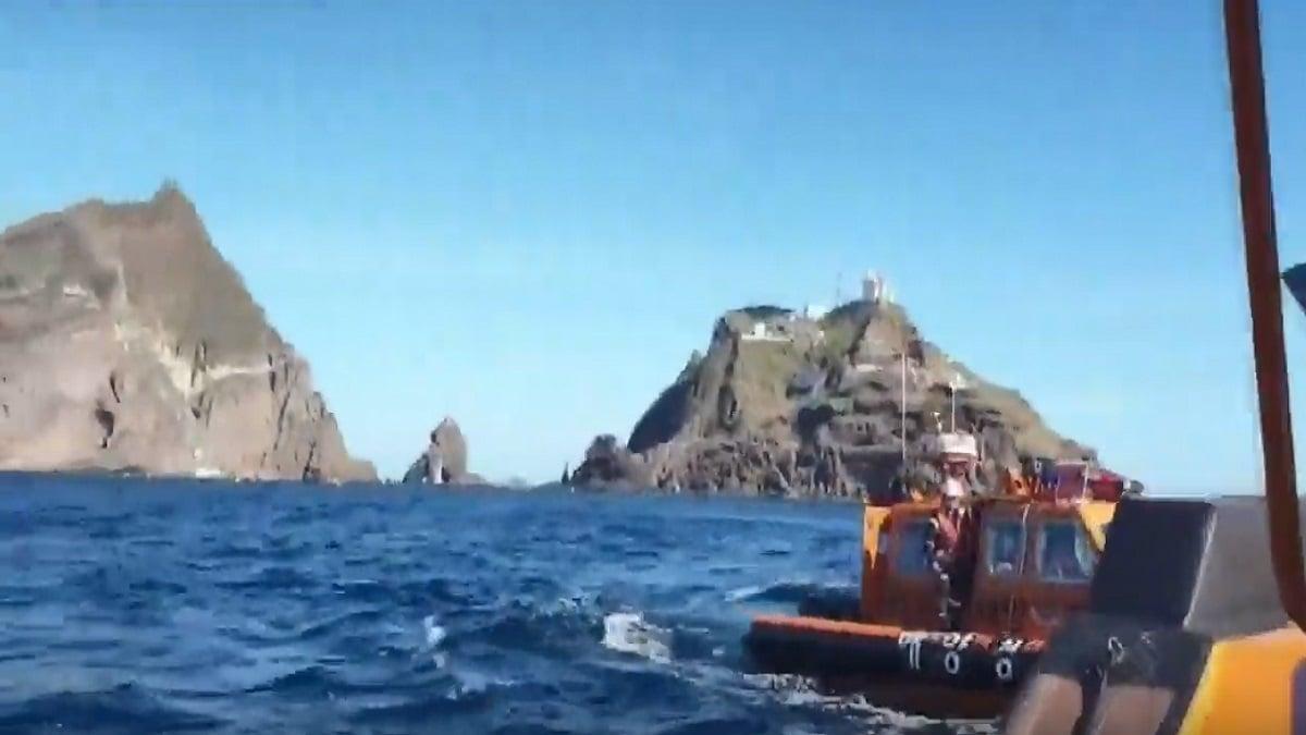 2019年10月31日,南韓消防局一架載著7人的直升機墜毀於獨島外海。(影片截圖)