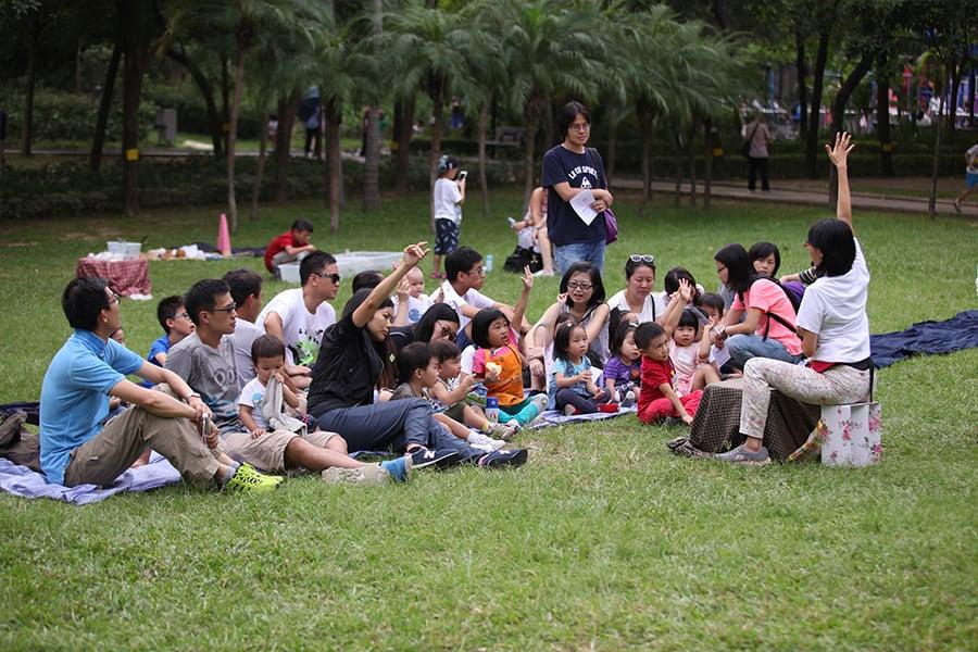 「自然遊樂」活動——在公園講故事。(受訪者提供)