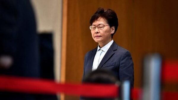據披露,林鄭當下只是在替中共做事,其21年前就加入了中共,而且她還是中共絕密計劃—「紅燈計劃」的選定人。(ANTHONY WALLACE/AFP/Getty Images)