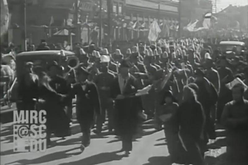 1934年溥儀出行的珍貴影像。