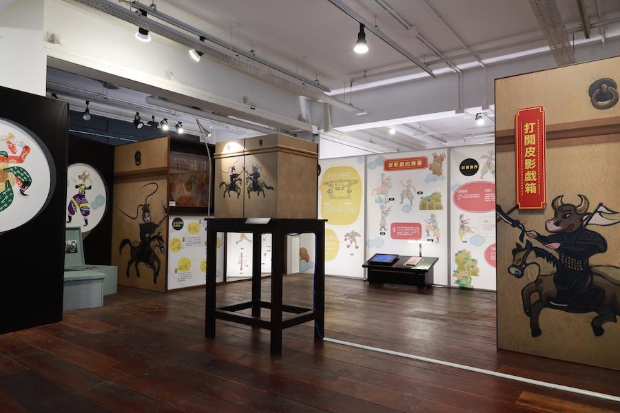 高雄市立歷史博物館所屬的皮影戲館來港展覽。(陳仲明/大紀元)