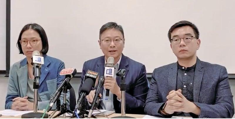 「選舉觀察計劃」昨日公佈2019年區議會選舉中期觀察報告。(駱亞/大紀元)