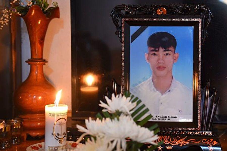 周四(11月7日)英國警方說,他們已經正式查明了英格蘭東南部一輛集裝箱卡車中發現的39人的身份,並通知了他們的家人。(Nhac NGUYEN/AFP)