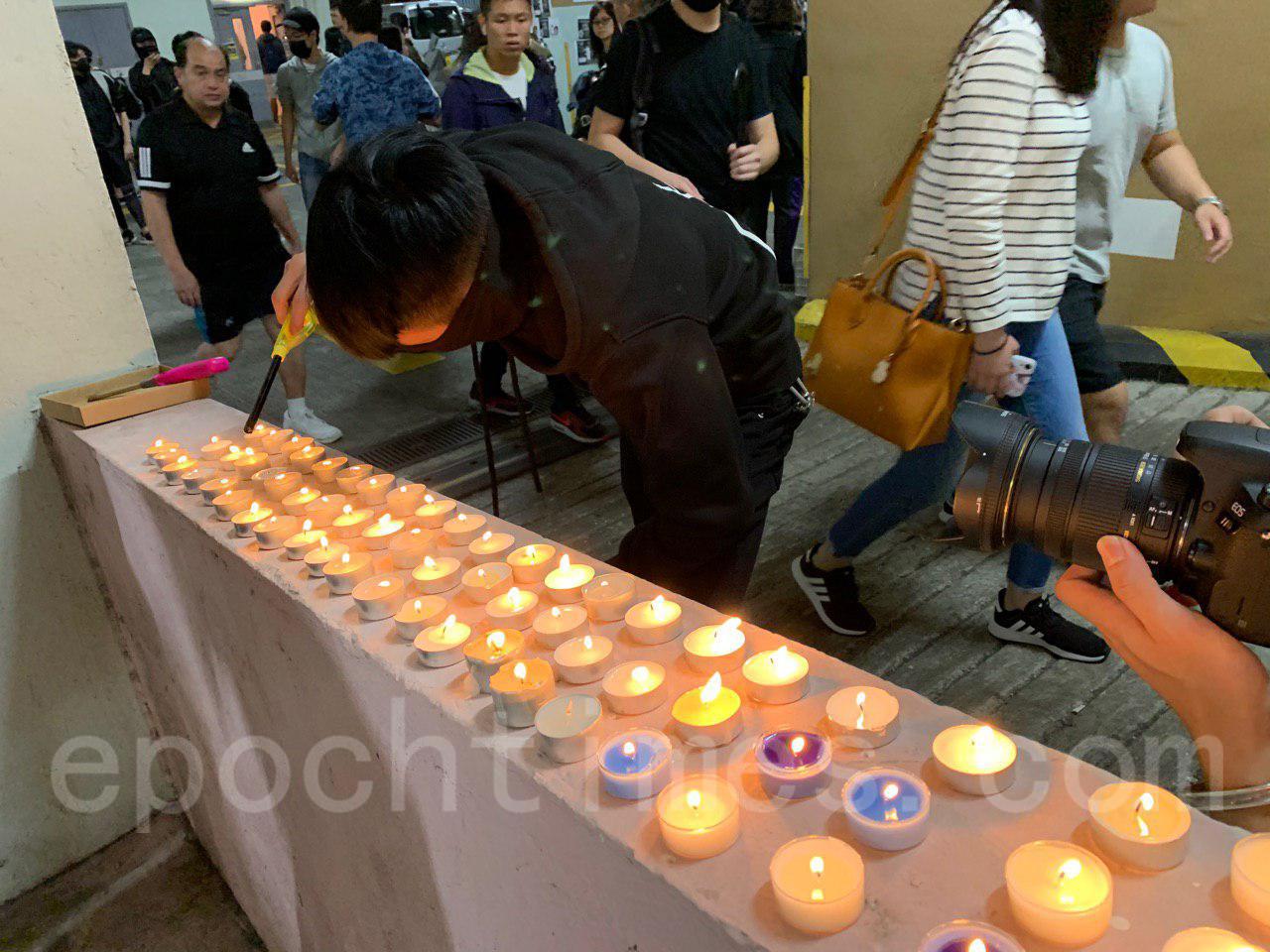 10月8日,科大生周同學在醫院不治去世,有市民發起「全城悼念周同學」活動。圖為將軍澳案發地點(韓納/大紀元)
