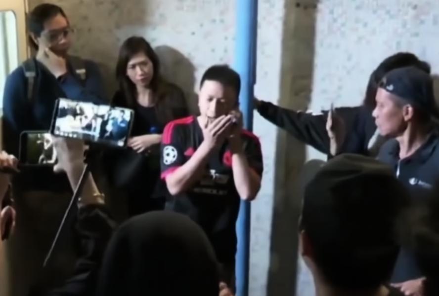 休班警被私了 警察指罵記者「袖手旁觀」反被譏諷