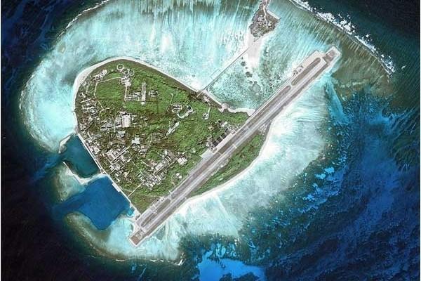 美國官員說,中共最近派遣戰鬥機前往南海爭議島嶼永興島。兩國圍繞誰在軍事化南海的口水戰升級。(網絡圖片)