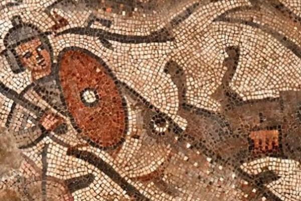 壁畫不僅有描繪諾亞方舟的內容,還有關於紅海的場景。(YouTube視頻截圖)