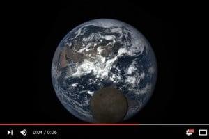 NASA拍地球 月球亂入搶鏡頭
