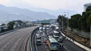香港幾近全城癱瘓 港府變相宣佈停工停課