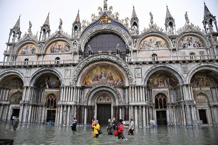 威尼斯漲潮破紀錄 全城警戒