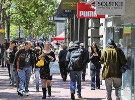 年輕人消費增加 成美經濟增長關鍵