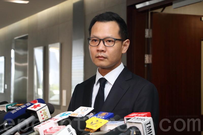 郭榮鏗說,一旦取消區議會選舉,會成為國際關注香港的原因。(香港電台)