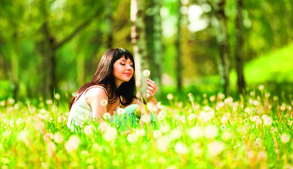 有了要去停止抱怨的意識,人們會將注意力從抱怨中轉移,從而注意到別人身上具有值得欣賞的特質。當抱怨消失時,人們的思維也會轉向積極的方向。(shutterstock、Fotolia)