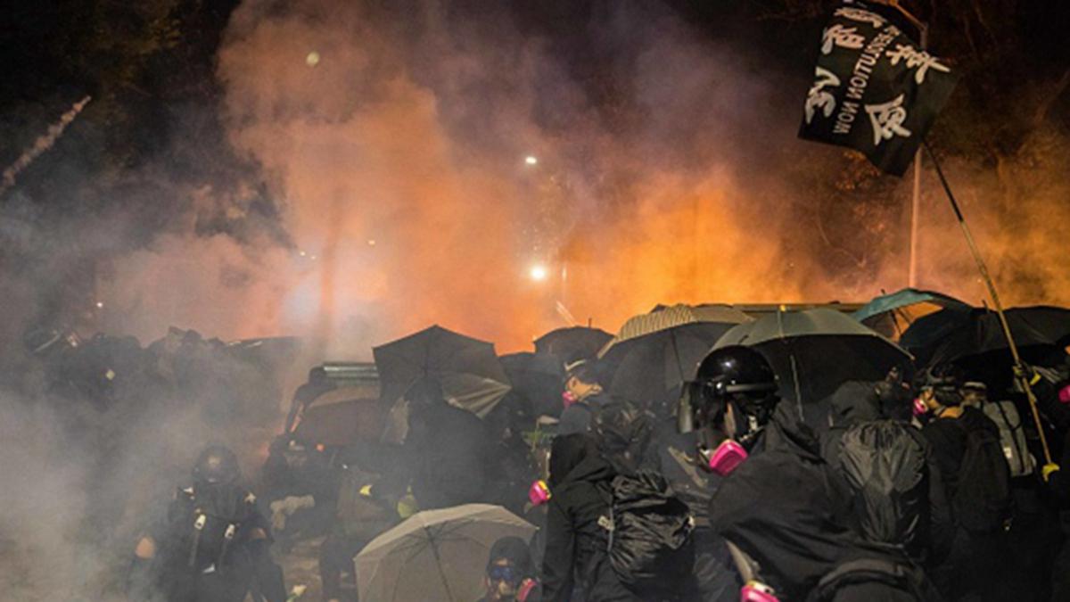 蔣介石曾孫蔣萬安11月14日子臉書發文,向「捍衛自由與民主」的香港學生及年輕人「致敬」。(DALE DE LA REY/AFP via Getty Images)