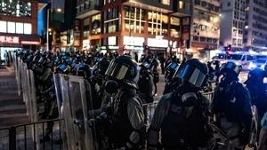 香港秘密上演天安門屠殺?外媒揭港警身高突變