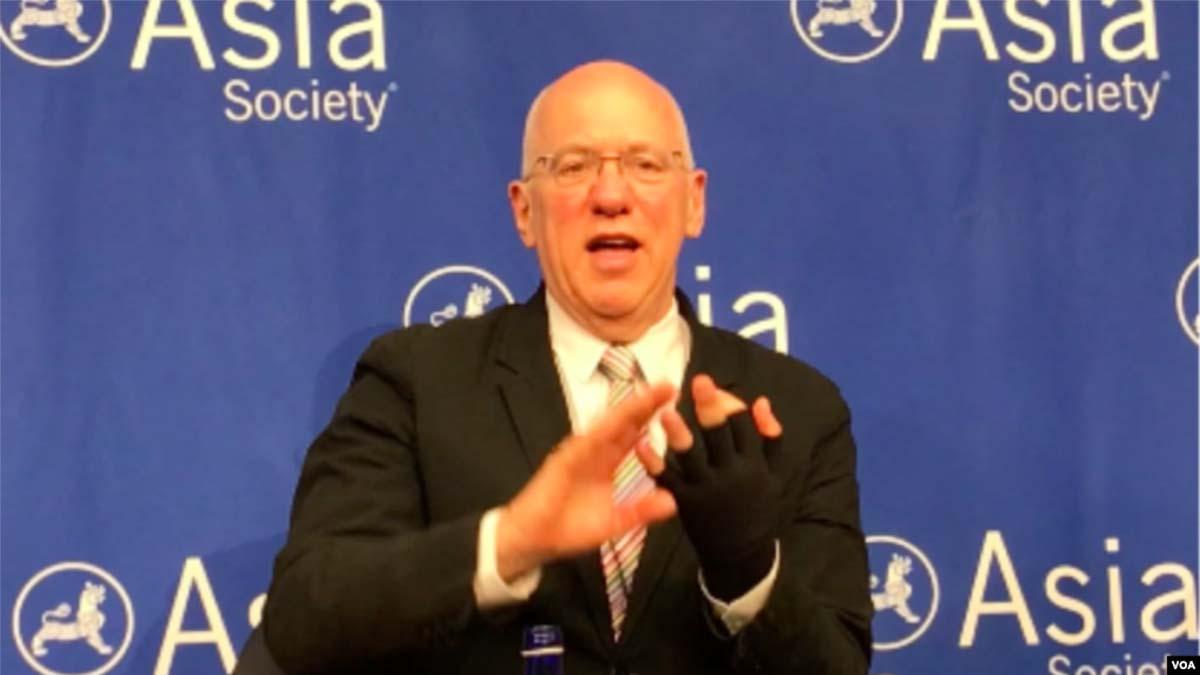 澳洲漢學家、歷史學家白潔明(Geremie R. Barme)11月13日在紐約出席一場討論會。(美國之音方冰拍攝)