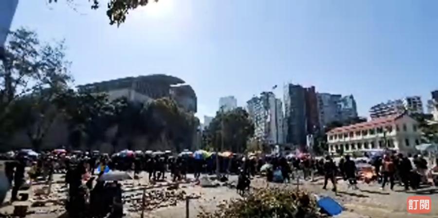 【理大告急】理大情況告急 警方與抗爭者對峙