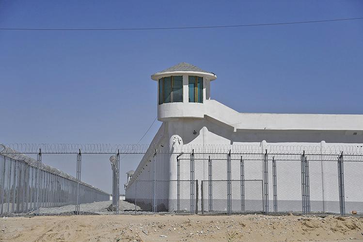 四百頁密件曝光  中共威脅新疆集中營外孩子