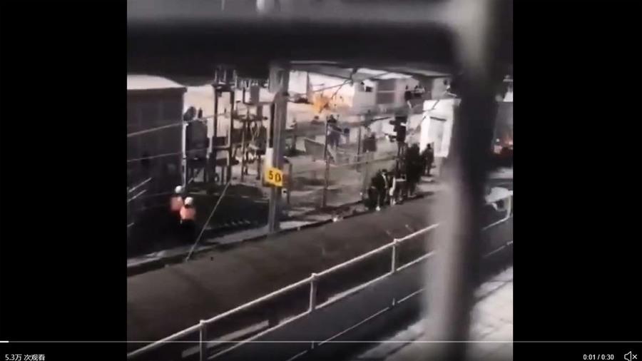 港警用列車押送理大被捕者 去向不明引質疑