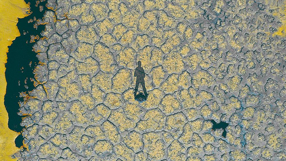 騰格里沙漠現12萬平方米污染帶
