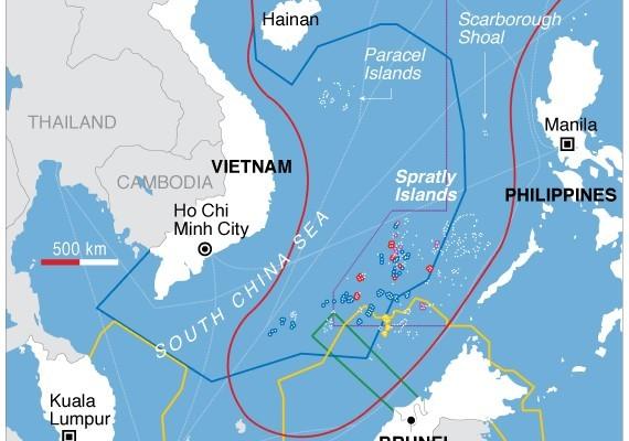 7月12日,設在海牙的國際仲裁法院即將就菲律賓與中國的南海爭端做出裁決。周邊國家對南海的海權聲索。(維基公有領域/美國之音)