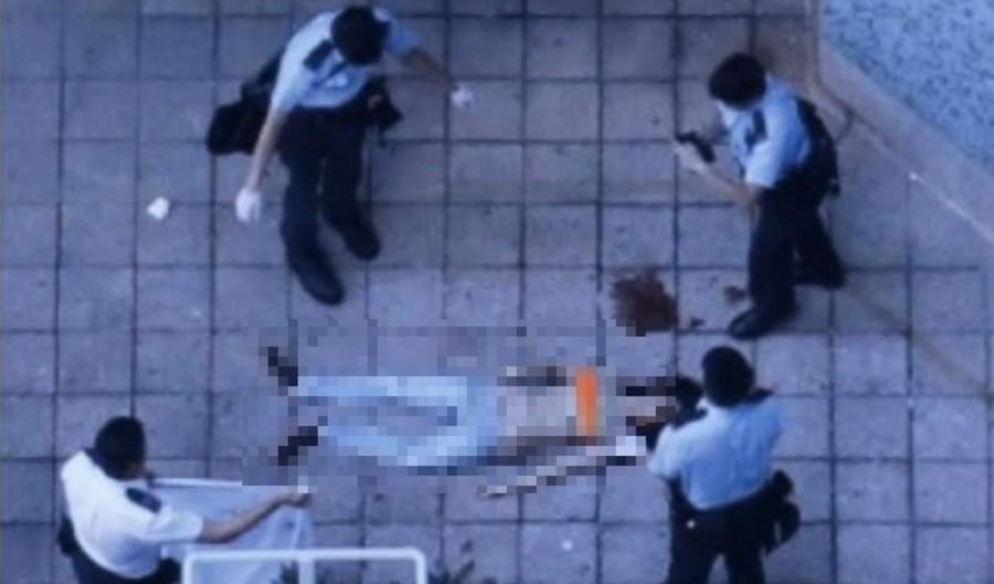 港少女半裸墜樓死 議員指警拍照假證物並隨手丟棄