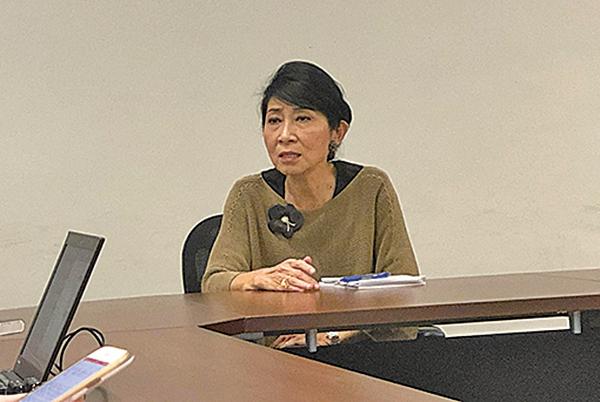 毛孟靜鼓勵市民積極參與即將來臨的區議會選舉投票,切勿墮入政府設置的陷阱。(葉依帆/大紀元)