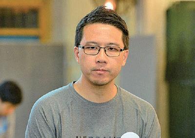 盧俊宇勝出後對傳媒說,心情激動,讓他見到港人堅守良知,堅守正義的一面。(宋碧龍/大紀元)