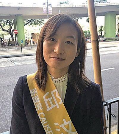 邱汶珊說,不做警花,參選是希望換個平台為香港服務,也希望同事想一想為甚麼有人辭職。(梁珍/大紀元)