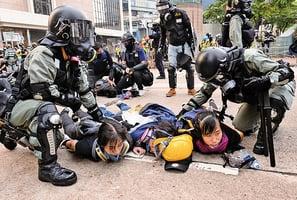 香港抗爭者疑被送大陸關押