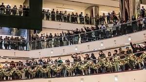 香港18區「和你唱」 港警抓8名少年最小12歲