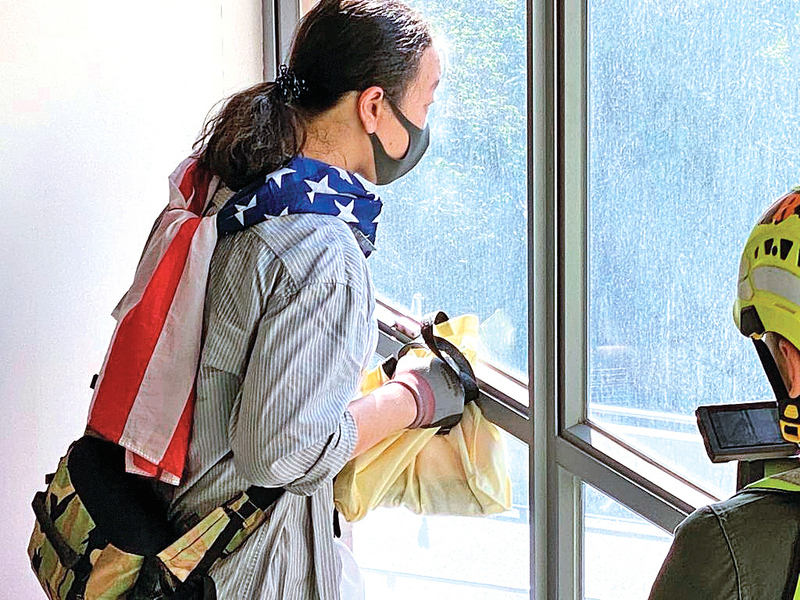 美國國旗和「任劍揮」 理大留守廚師的故事