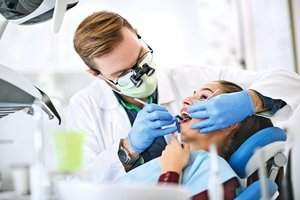 牙齦出血要留心 口腔 4 症狀可能是牙周病