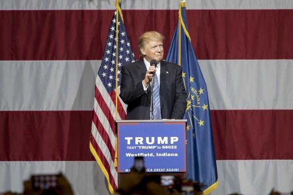7月12日,特朗普應印第安納州州長彭斯(Mike Pence)邀請,在該州的一場活動上演講。(Aaron P. Bernstein/Getty Images)