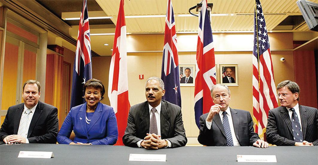 11月底,五眼聯盟國家將依法對這些惡人拒發簽證。圖為2010年五國在華盛頓特區討論反恐合作等問題。(Getty Images)