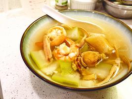 梁廚美食 雜錦海鮮節瓜湯