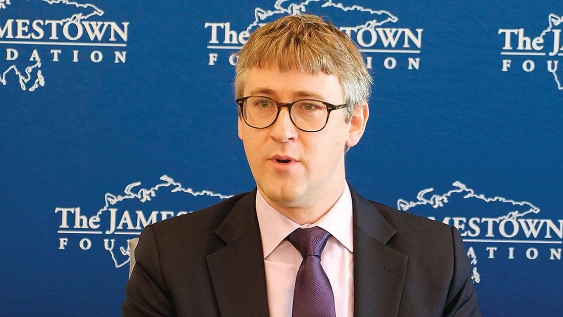 華府智囊詹姆斯敦基金會(Jamestown Foundation)的中國項目研究員孟沛德(Peter Mattis)舉辦新書《中共間諜活動:情報入門》介紹會。(新唐人影片截圖)