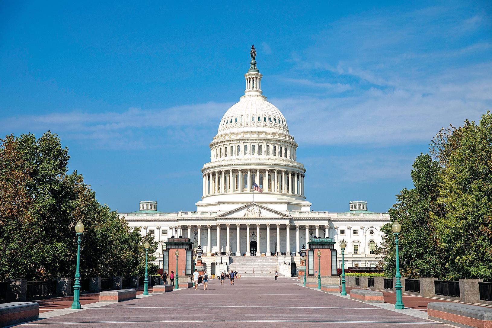 美國參議員表示,計劃與白宮、國家研究機構、大學和國務院合作制定立法解決方案,以保護用美國納稅人的錢所支持的研究。圖為美國國會。(Samira Bouaou/The Epoch Times)