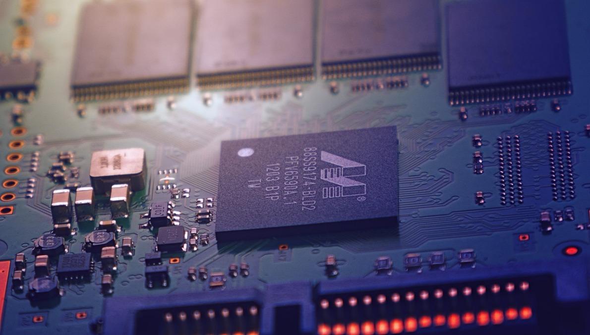 中國企業在過去三年來急劇加大了從美國進口半導體、集成電路與晶片製造設備的規模。(Johannes Plenio from Pixabay)