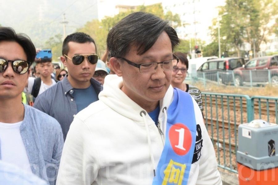 何君堯博士頭銜「失而復得」  北京傀儡回報多