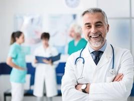 喉癌患者以大腿組織 重建食道