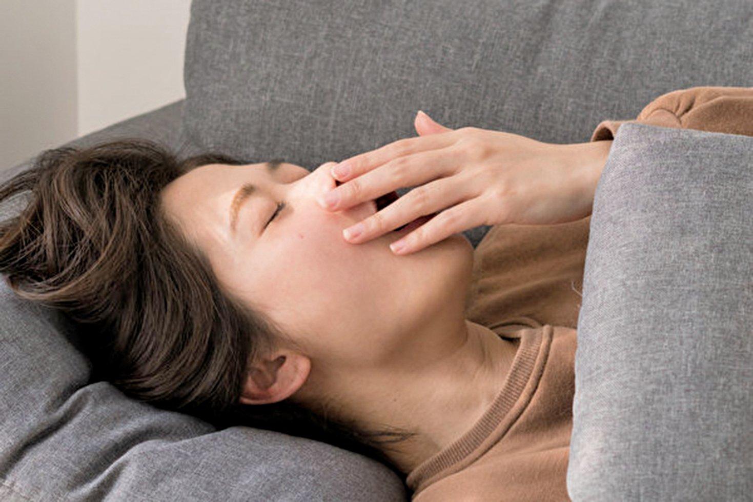 小睡、打盹對腦力、精神狀態、心臟健康都有益處,睡多久最好?(Shutterstock)