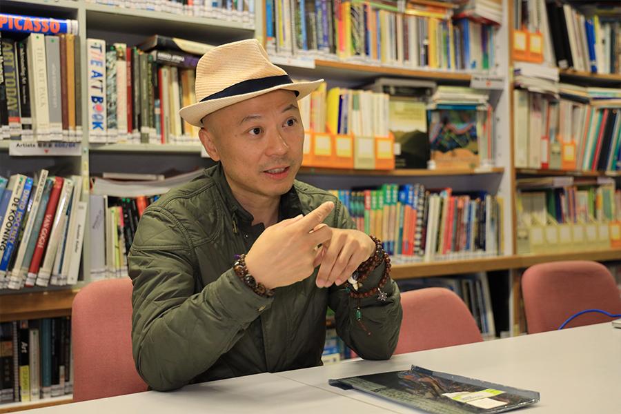 VAECP碩士課程主任洪強博士介紹課程發展方向。(陳仲明/大紀元)